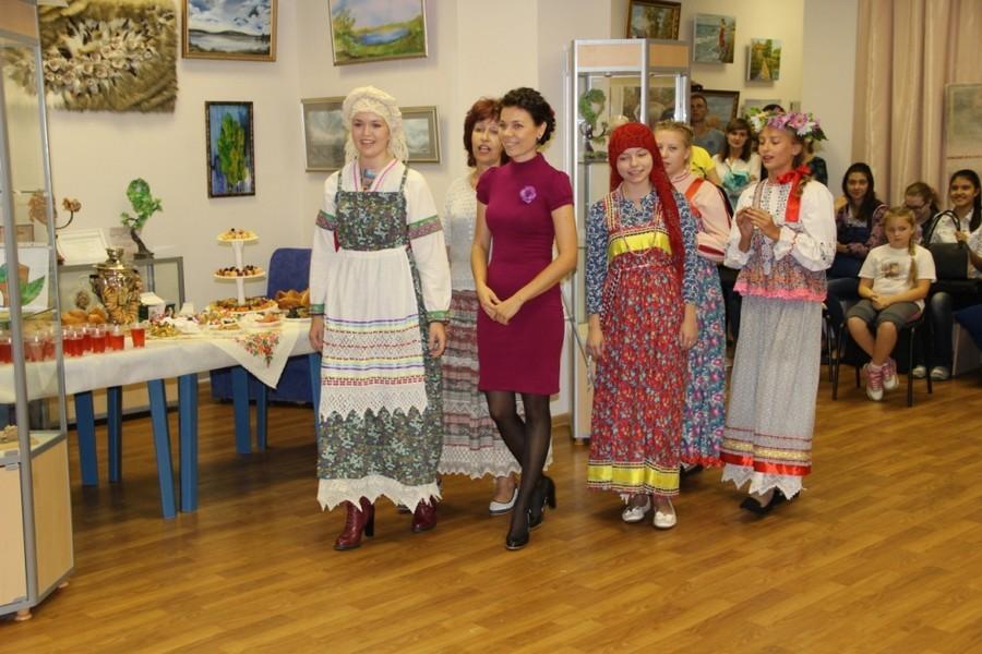 Открытие персональной выставки Алмаевой Ирины